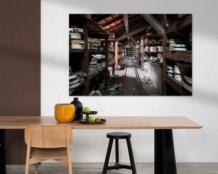 Sfeerimpressie: Verlaten Keramiek Fabriek. van Roman Robroek