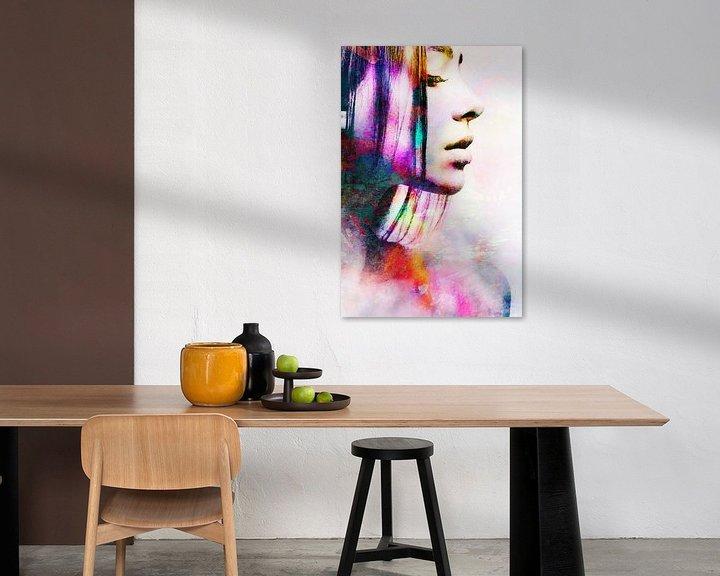 Beispiel: Porträt einer Frau in Abstraktem Aquarell Orange Rosa von Art By Dominic
