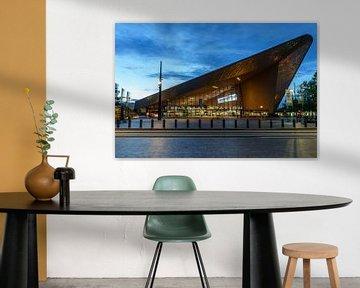 Gare centrale de Rotterdam en soirée