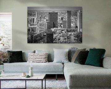 Skyline Leuvehaven Rotterdam (zwart-wit) van Mark De Rooij
