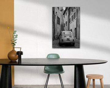 Seitengasse in Rom von Angelika Stern