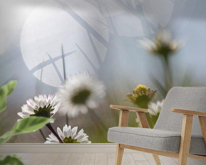Sfeerimpressie behang: Simple flower van Petra Slingenberg