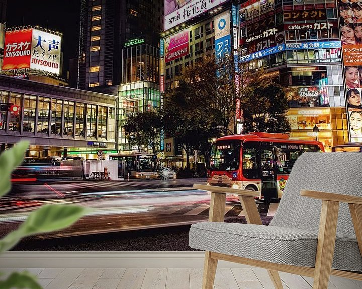 Sfeerimpressie behang: Shibuya Crossing van Edwin Benschop
