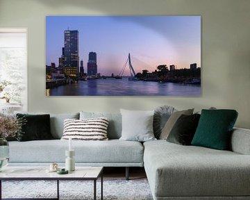 Skyline Rotterdam vanaf de Koninginnebrug van Mark De Rooij