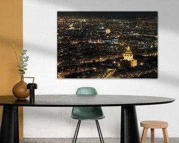 Nachtelijk uitzicht over Parijs van Dennis van de Water