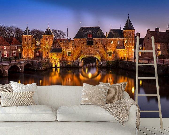 Sfeerimpressie behang: Koppelpoort Amersfoort, Nederland van Adelheid Smitt