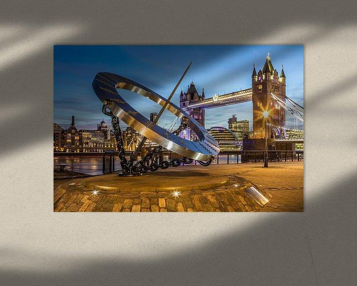 Sfeerimpressie: London Tower Bridge en zonnewijzer van Frank Herrmann