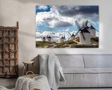 Don Quichot windmolens landschap in Spanje. van Carlos Charlez
