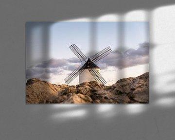 Don Quichot windmolenlandschap in Spanje. van Carlos Charlez