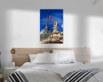 Grand Palais mit französischer Flagge von Dennis van de Water