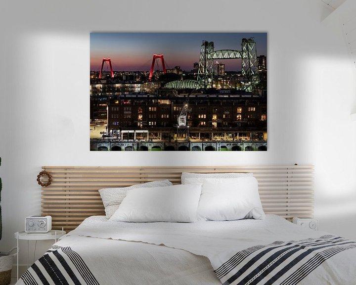 Sfeerimpressie: Stadsbruggen van Rotterdam in de avond van Edwin Muller