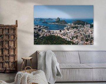 Uitzicht over Rio de Janeiro, de stranden, bergen en Sugarloaf Mountain