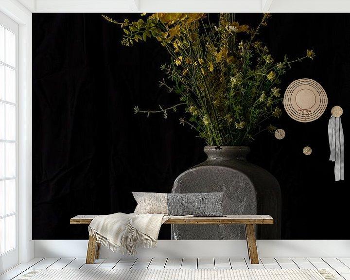 Beispiel fototapete: Blumen für ein Nagetier von Jaco Verheul