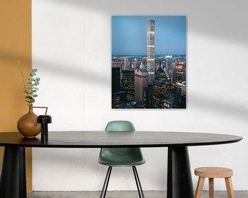Uitzicht over de Skyline van New York tijdens het Blue Hour net na zonsondergang in Manhattan van Michiel Dros