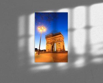 Arc de Triomphe met lantaarn vertikaal van Dennis van de Water