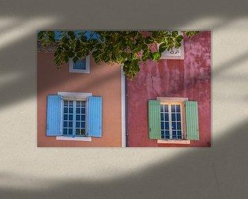 Kleurrijke huizen in Roussillon, Provence van Christian Müringer