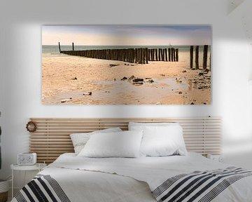 Zoutelande Strand Pfahlköpfe Zeeland Küste von Marjolein van Middelkoop