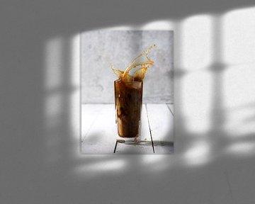 A splash of ice coffee van Isa Dolk