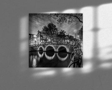 AMSTERDAM Keizersgracht Abendidylle | Monochrom von Melanie Viola