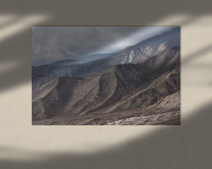 Sfeerimpressie: Bruin rotsachtig gebergte in de Himalaya   Nepal van Photolovers reisfotografie