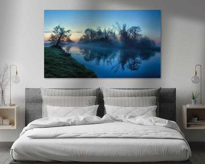 Sfeerimpressie: Reflectie tijdens blue hour in Leekster Hoofddiep van R Smallenbroek