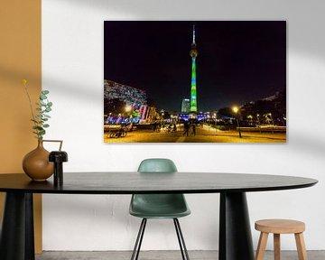 Fernsehturm Berlin mit besonderer Beleuchtung von Frank Herrmann