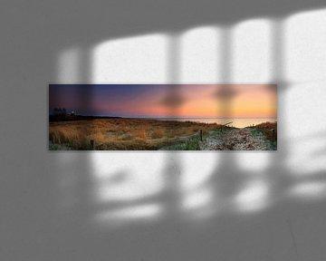 Sur la plage de la mer Baltique au coucher du soleil