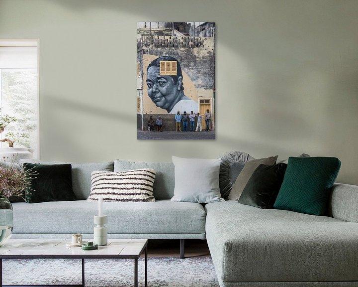 Sfeerimpressie: Muurschildering van Cesária Évora van Jeroen Kleiberg