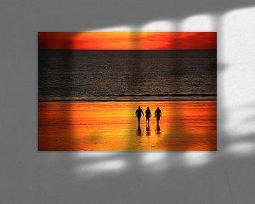 Zonsondergang met Vrienden, Broome, Australië van The Book of Wandering