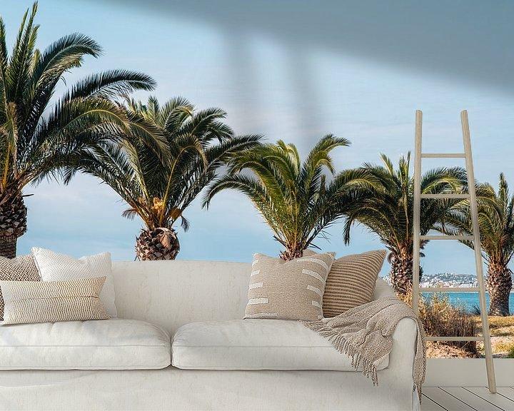 Sfeerimpressie behang: Palmbomen op het strand in Spanje van Lorena Cirstea