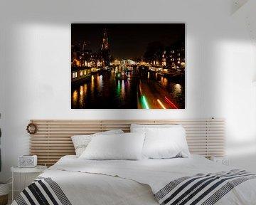 Kanal von Amsterdam bei Nacht