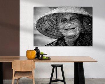 Porträt einer lächelnden Vietnamesin von Ellis Peeters