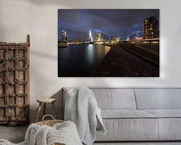 Rotterdam in de avond van Arjen Roos