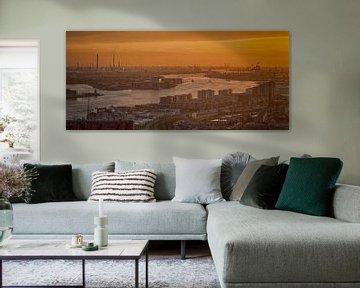 Der Hafen von Rotterdam bij Sonnenuntergang. von Aiji Kley