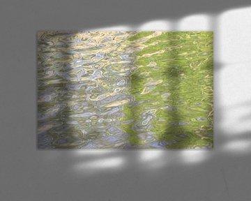 Waterreflecties 1 van Gert van Lagen