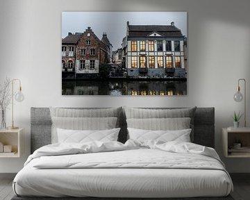 Gebouwen tijdens de avond in Gent van Mickéle Godderis