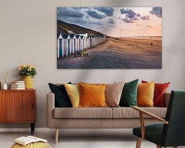 strandhuisjes bij zonsondergang van Marinus Engbers