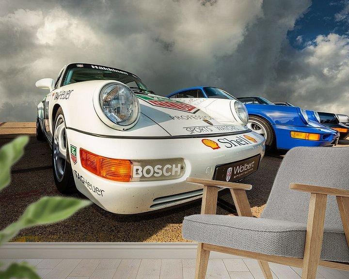 Sfeerimpressie behang: Porsches op een rij. van Brian Morgan