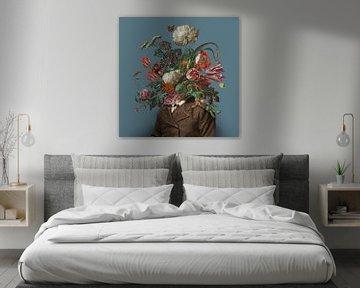 Bildnis eines Mannes mit einem Blumenstrauss (blaugrau / quadratisch) von toon joosen