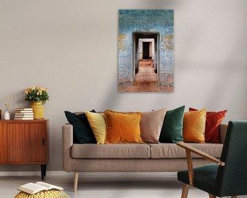 Farbenfroh verlassenes Gebäude von Wendy Bos