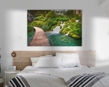 Wandelroute over het water Plitvice van Kevin Baarda