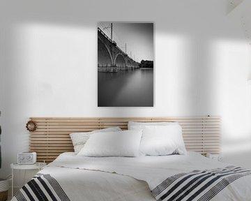Spoorbrug Peschiera del Garda zwart wit von Leo van Valkenburg