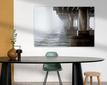 Brücke im Nebel von Julian Buijzen