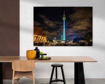 La tour de télévision de Berlin sous un jour particulier