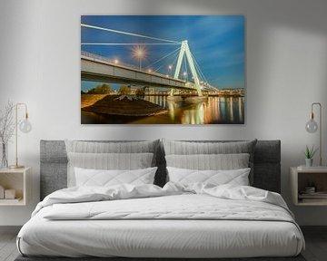 Severinsbrücke in Köln am Abend von Michael Valjak