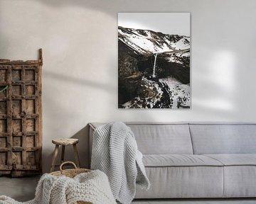 Kvernufoss waterval in Ijsland van Michiel Dros