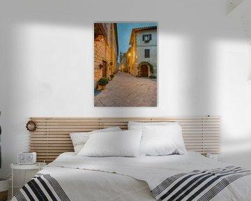 Morgens in Pienza, Toskana von Michael Valjak