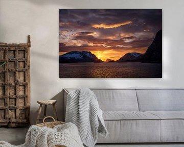 Middernachtzon in Lofoten, Noorwegen van Jelle Dobma