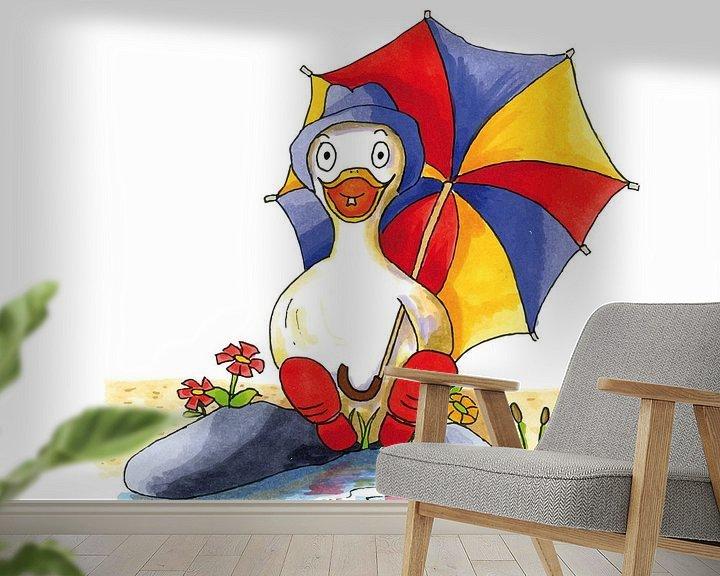 Beispiel fototapete: Karikatur einer fröhlichen Ente am Wasser sitzend von Ivonne Wierink