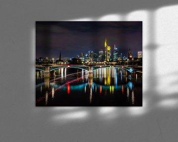Frankfurt am Main by night van Goos den Biesen
